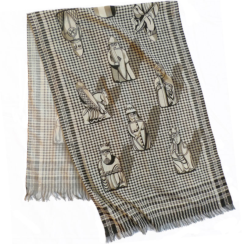 CL_Lewis_chessmen_scarf